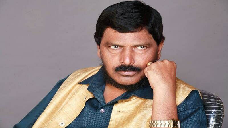 #MeToo: Akbar should resign if found guilty, says Ramdas Athawale
