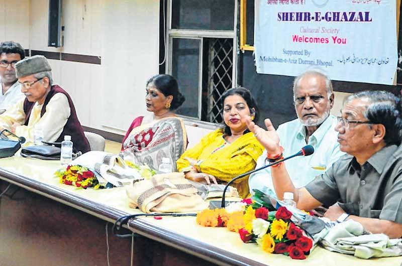 Ghazal recital, felicitation prog held Swaraj Bhawan