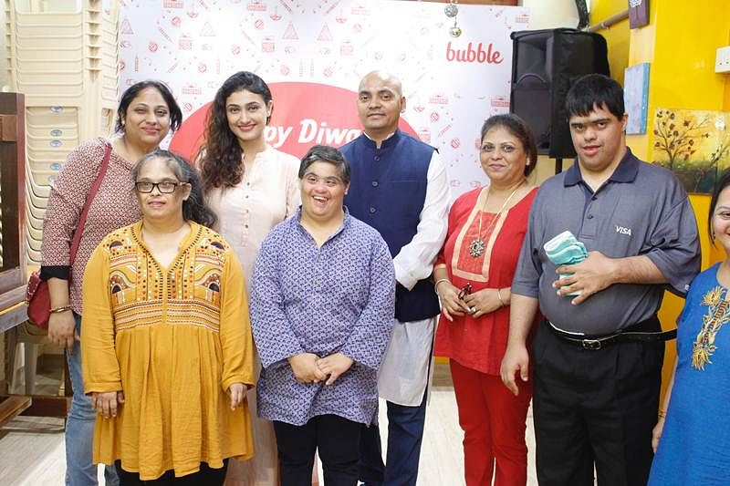 Actor Ragini Khanna, Singer Prajakta Shukre &  Producer Pankaj Narayan celebrate Diwali in a special way