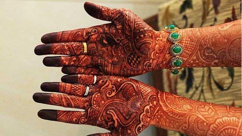 Karwa Chauth 2017: 5 tips to make you Mehndi dark and long-lasting