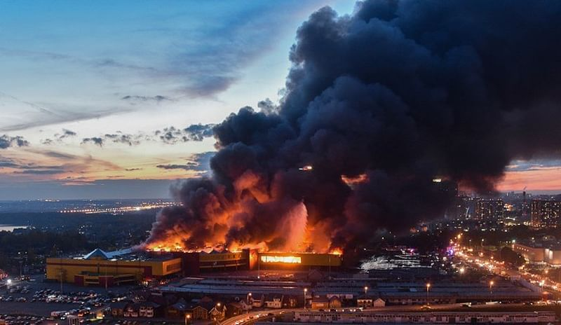Blaze at Moscow shopping centre forces 3,000 to evacuate