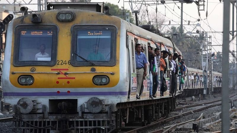 Mumbai: 19-year-old boy kicked out of a moving train after an argument