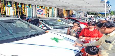 Bhopal: Glittering Dhanteras: Markets regain sheen; Rs 200 cr business recorded