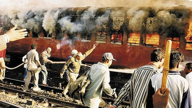 Godhra train burning case: Gujarat High Court commutes death sentence to 11 convicts into life imprisonment