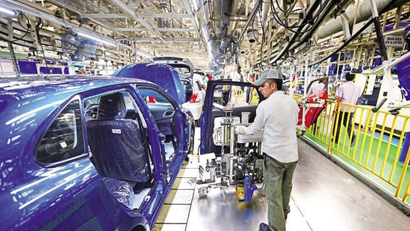 IIP growth rises to 9-month high, retail inflation stabilises