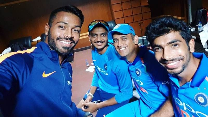 India vs Australia: Team India celebrate 4-1 series win with Dhoni being centre of the celebration
