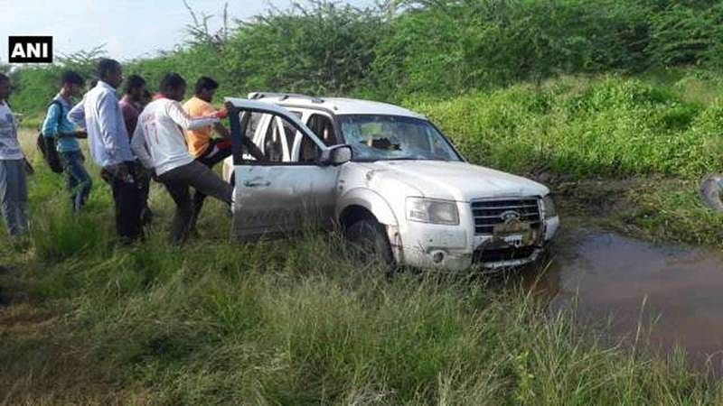 Two killed after car belonging to Sena leader's kin runs over three schoolgirls in Baramati