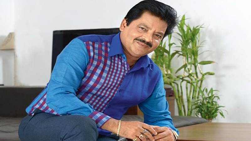 Udit Narayan breaks down, says Aditya made a mistake. He will issue a public apology
