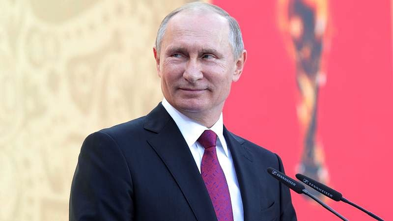 Russian President Vladimir Putin in India to attend annual bilateral summit; focus on S-400 deal