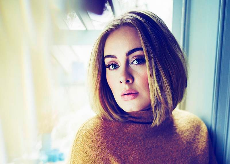 Adele pays tribute to George Michael