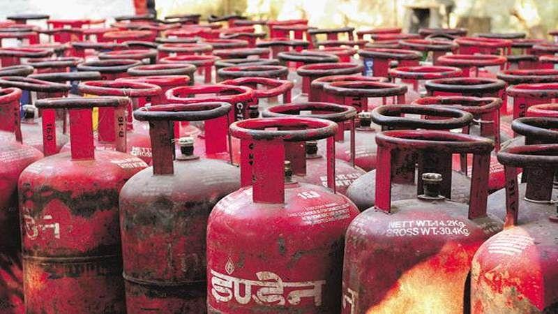 Delhi: Non-subsidised LPG gets Rs. 48 jump, subsidised up by Rs. 2.34