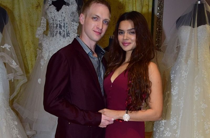 All you need to know about Aashka Goradia and Brent Goble wedding plans!