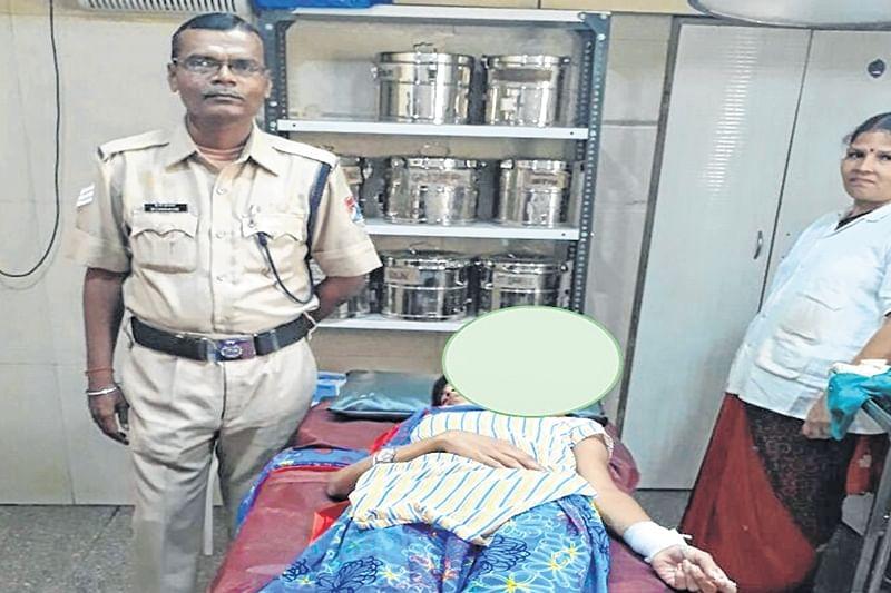 Mumbai: Railway Police rescues teen girl in nick of time at Airoli station