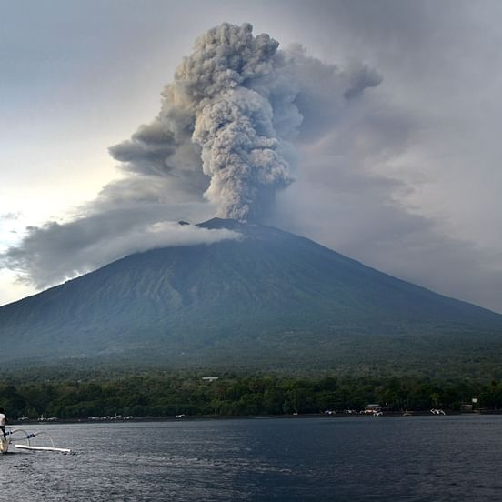 Volcanic rocks are a threat for Earth