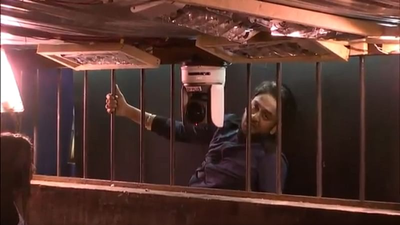 Bigg Boss 11: OMG! Vikas Gupta tries to escape from the house twice; Find out what happened on Day 32