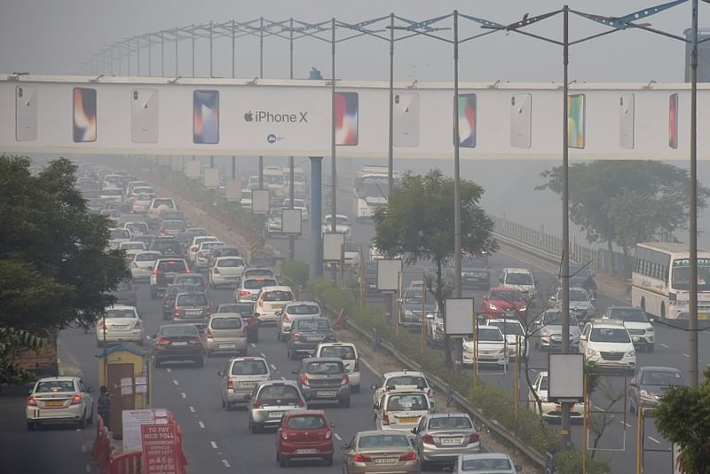 Delhi Pollution: Air Quality level dips further