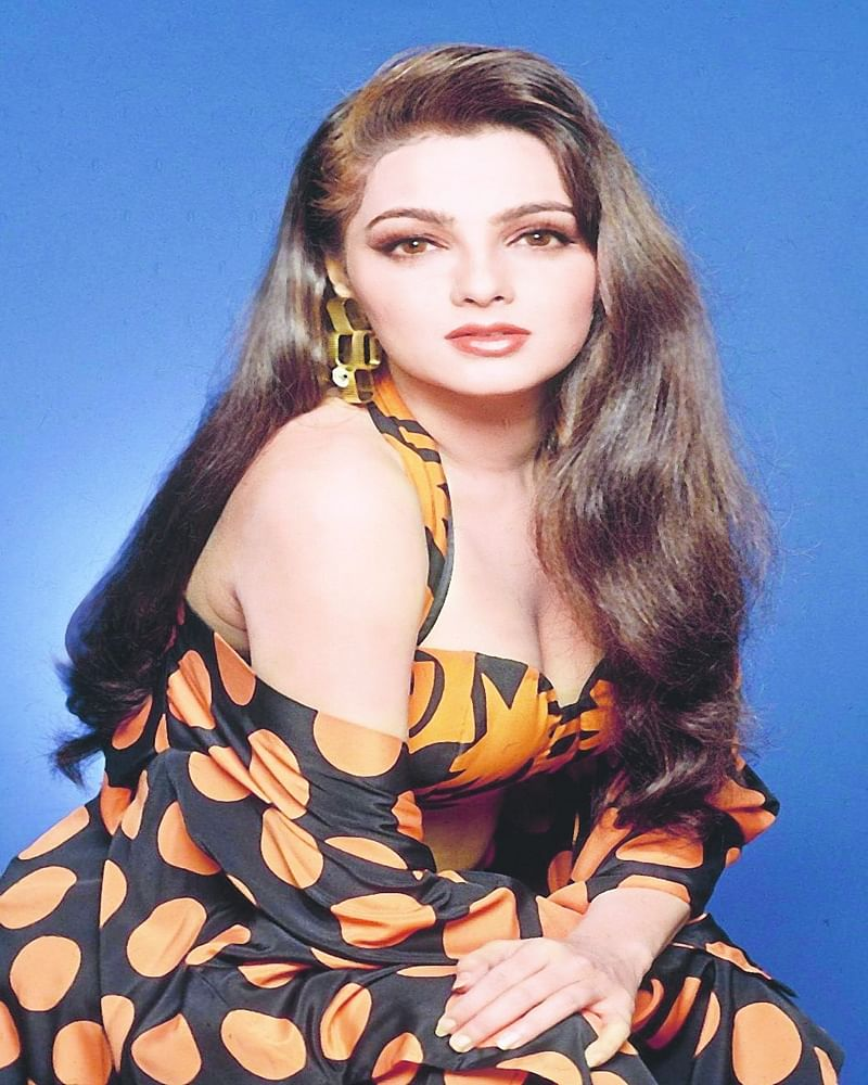 Bollywood's Forgotten Stars: 10 intriguing facts about 90s sexy siren Mamta Kulkarni