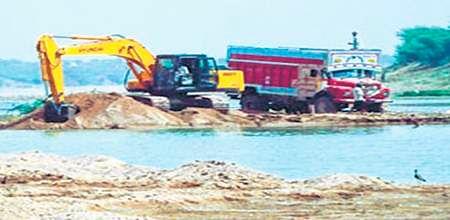 Bhopal: Narmada sand up for sale in Shiv-raj
