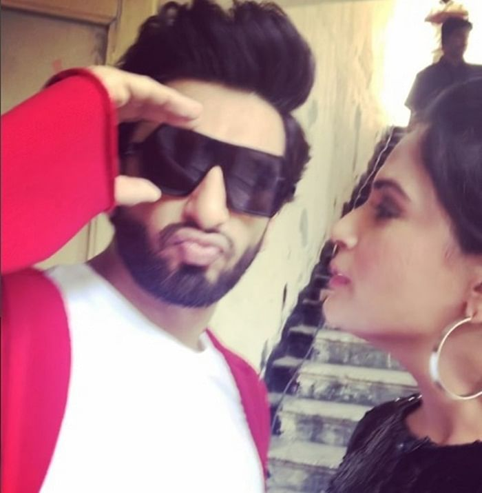 WATCH: Ranveer Singh finds a quirky way to promote Richa Chadha's Fukrey Returns