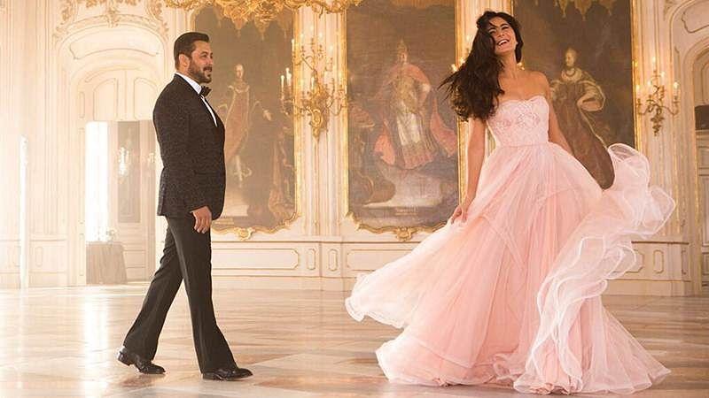 'Tiger Zinda Hai' song Dil Diyan Gallan first look: Salman enchanted by Katrina's beauty