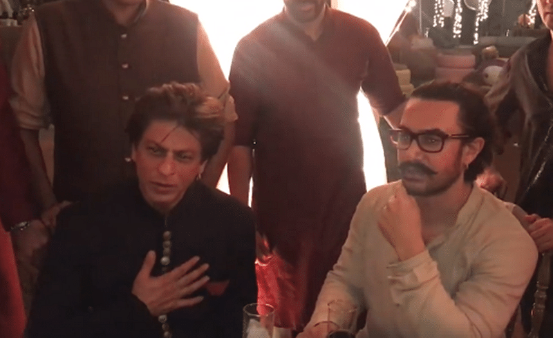 This is how Aamir Khan is helping out Shah Rukh Khan for 'Salute'