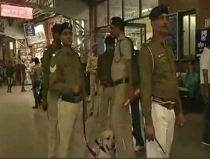 Bomb threat at Ahmedabad Railway station, sniffer dogs and bomb detection unit at the spot