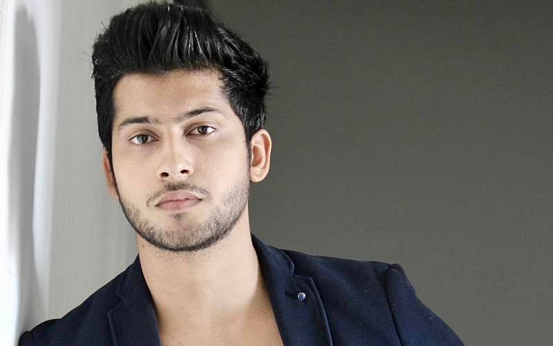 Namish Taneja 'bares' it for a show