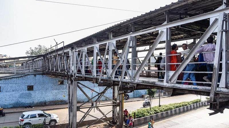 Bombay High Courtadmonishes railways, orders structural audit, repairs of bridges