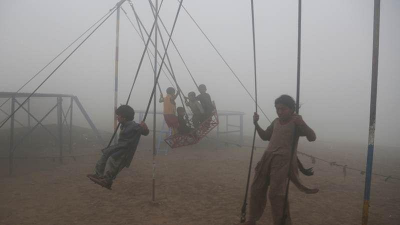 Smog disrupts over 600 flights in Pakistan