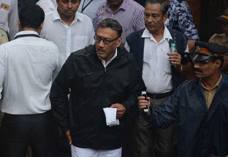 Jackie Shroff at Shashi Kapoor's funeral at Santacruz Hindu crematorium in Mumbai. Pic by BL Soni