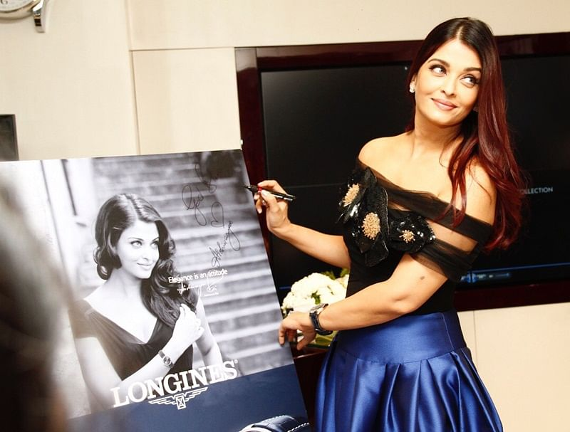 Aishwarya Rai Bachchan looks stunning at boutique launch; take a look