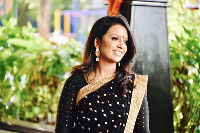 Mumbai: Amruta Fadnavis trolled for distributing gifts in Christmas charity event
