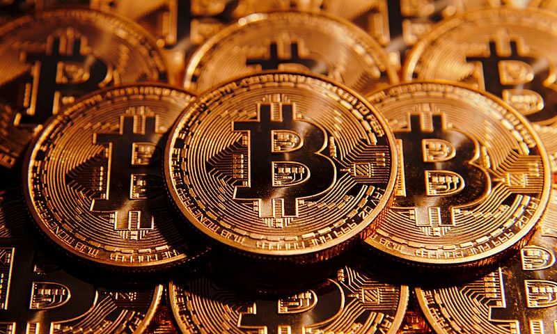 Bitcoins: From Warren Buffet to Shilpa Shetty, what famous people have said about the cryptocurrency