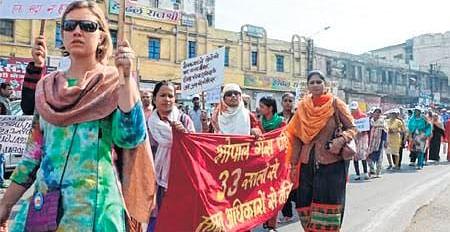 Bhopal: March, burning effigies, rally mark Gas tragedy anniversary