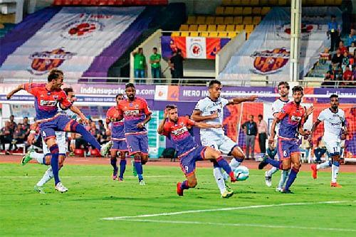 Sereno leads Chennaiyin to victory