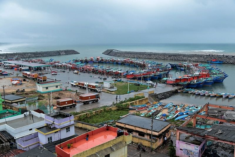Kanyakumari : A view of  Cyclone Ockhi at a yard in Kanyakumari in which 1,200 people were affected in Kanyakumari and Tirunelveli districts on Friday. PTI Photo (PTI12_1_2017_000214B)