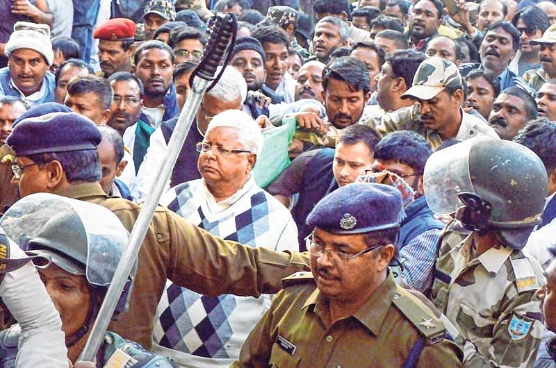 Fodder scam: Lalu convicted, taken into custody; Mishra acquitted