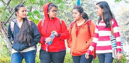 Indore: Mercury dips by 5 notches as cold wave grips city
