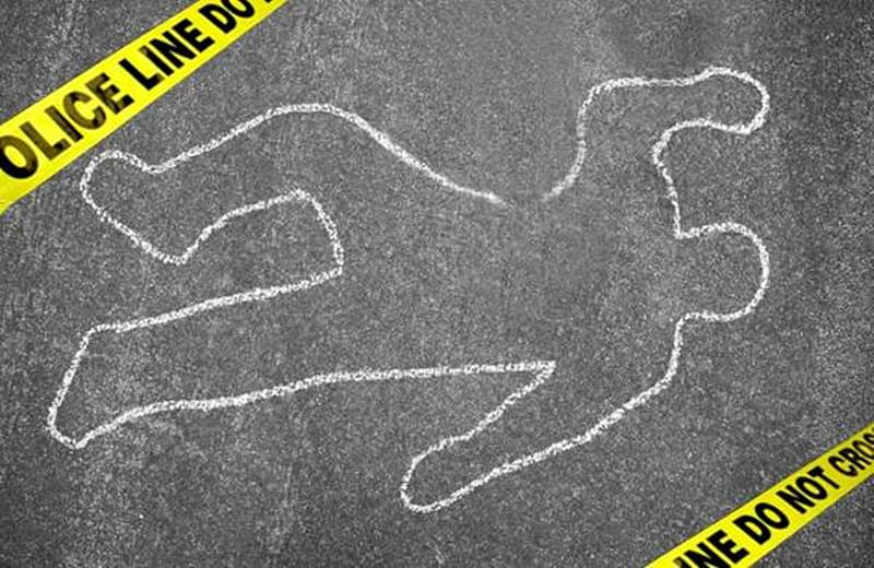 Caught in crossfire between two gangs, pedestrian killed in Pune