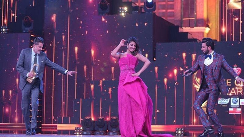 Must Watch: Priyanka Chopra, Ranveer Singh and Anil Kapoor groove to 'Gallan Goodiyaan' at Zee Cine Awards 2018