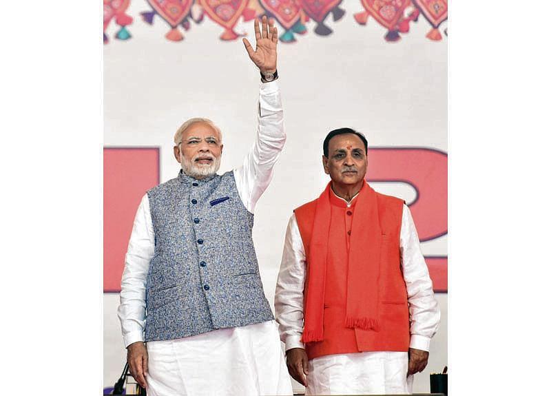 Vijay Rupani sworn-in as Gujarat CM, Patel Dy CM; 18 ministers also take oath