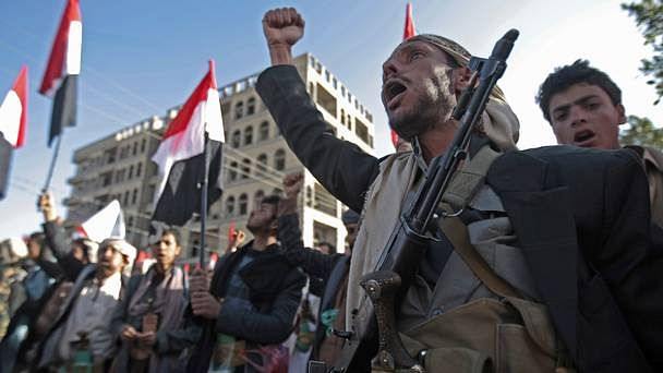 Saudis intercept Yemen rebel missile targeting royal palace