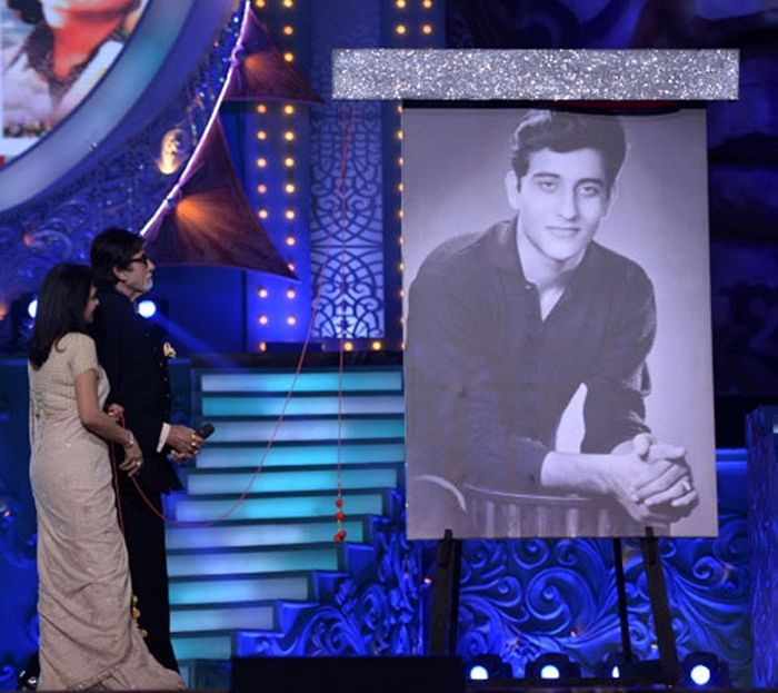 Big B pays tribute to Vinod Khanna at the Star Screen Awards 2018