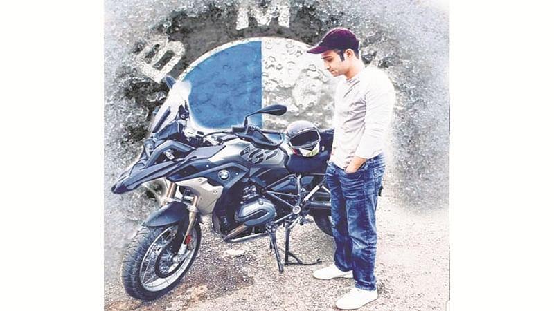 Mumbai: Trained pilot on BMW bike dies after being crushed under a speeding trailer at Vasai naka