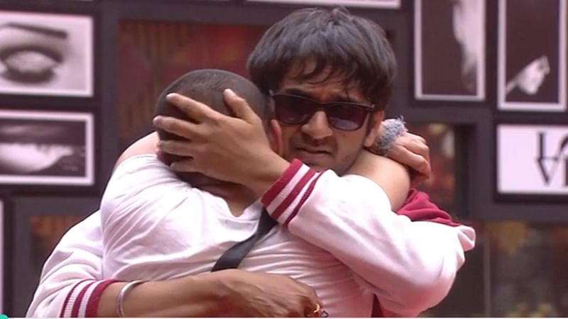 Bigg Boss 11: Puneesh Sharma and Bandgi Kalra create havoc before entering jail; Day 60 drama
