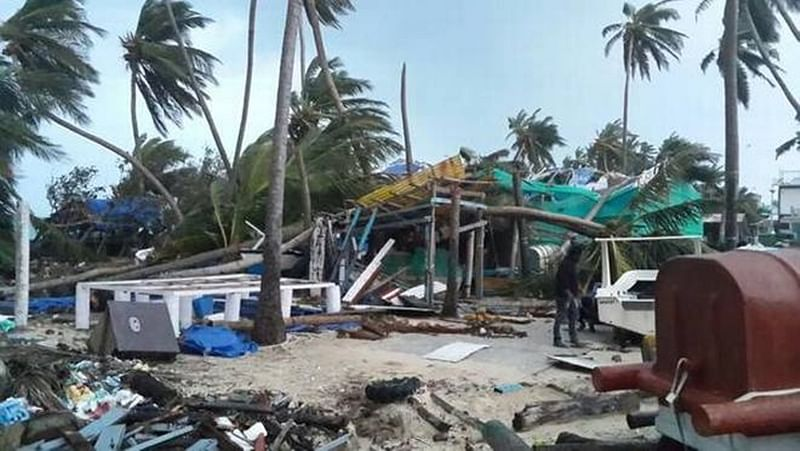 Indian Navy dispatches relief to cyclone-hit Lakshadweep islands