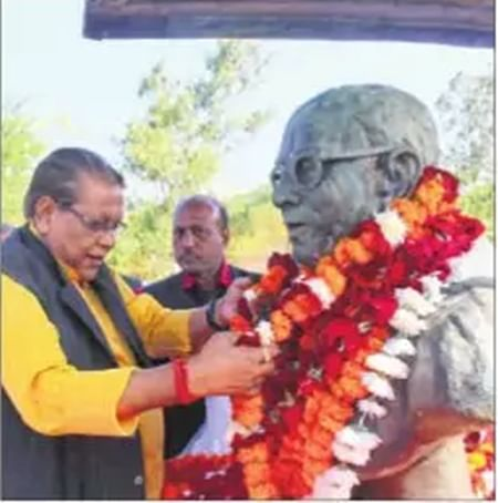 Bhopal: Patwa becomes 'taller leader'than Thakre for BJP