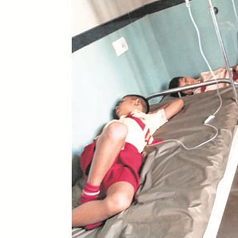 14 of a family suffer from food poisoning in Ahmednagar