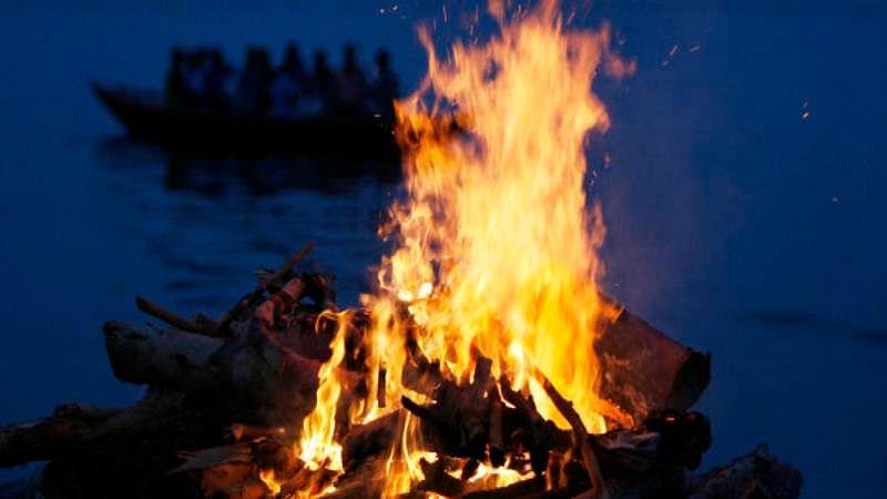 MP: Muslims come forward to cremate destitute Hindu found dead