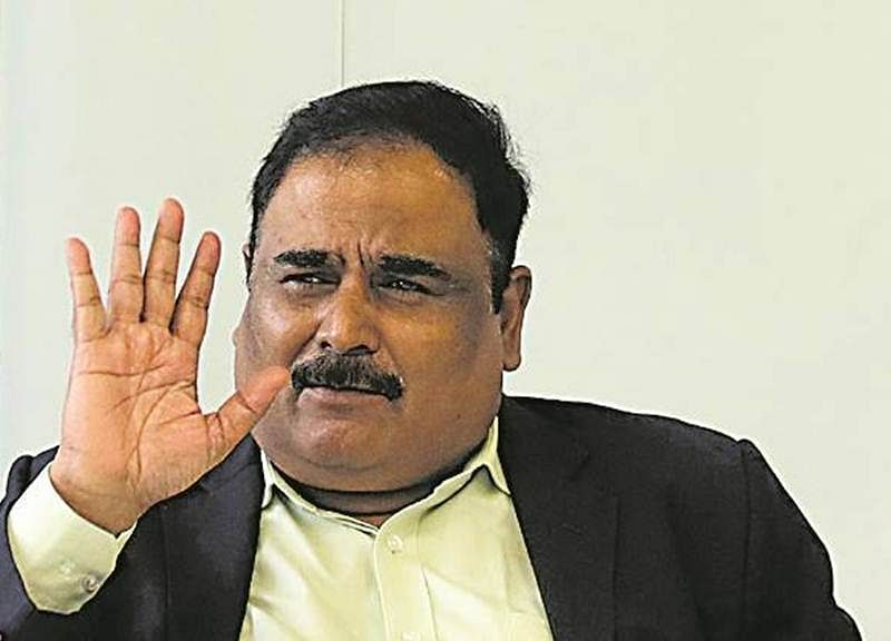 Probe against Maharashtra bureaucrat Radheshyam Mopalwar a farce, says Congress leader